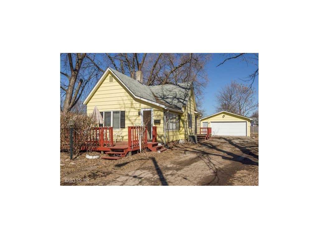 Photo of home for sale at 814 EDISON Avenue E, Des Moines