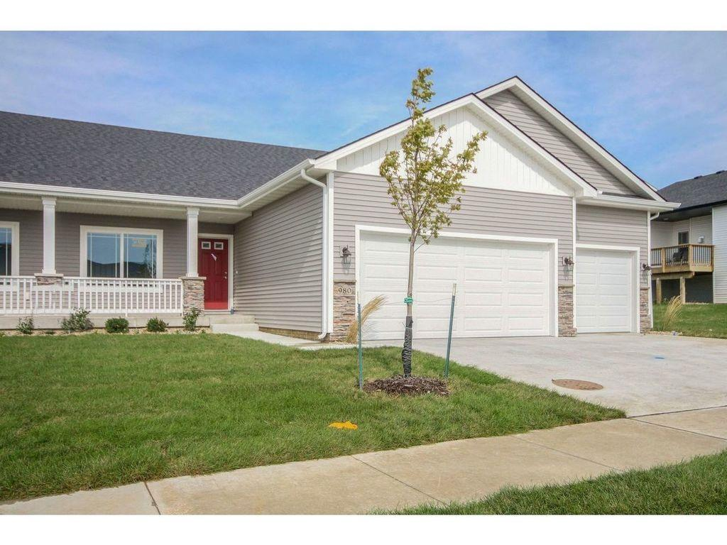 Photo of home for sale at 980 Linden Street, Carlisle IA