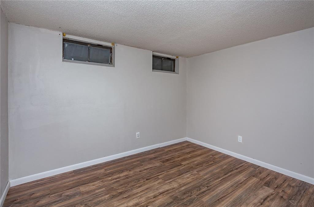 Photo of home for sale at 612 30th Street, West Des Moines IA