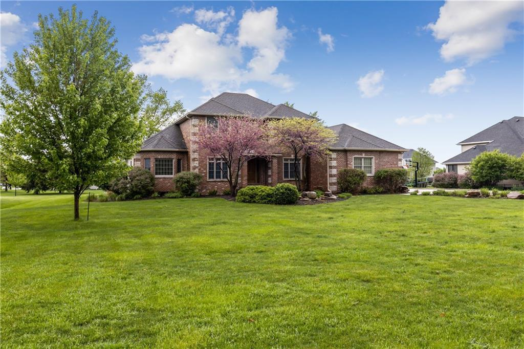 Photo of home for sale at 4626 Park Drive, West Des Moines IA