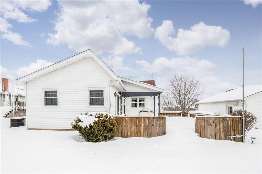 Photo of home for sale at 1511 Grant Street, Redfield IA