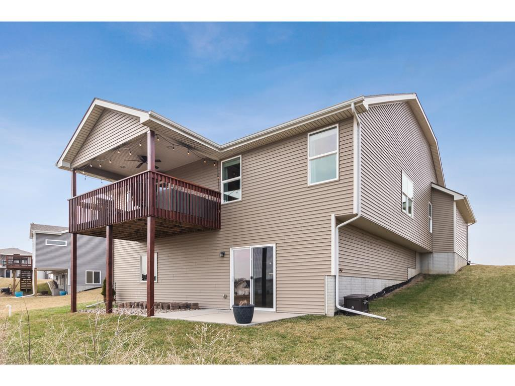 Photo of home for sale at 1655 SNYDER Street, Waukee IA