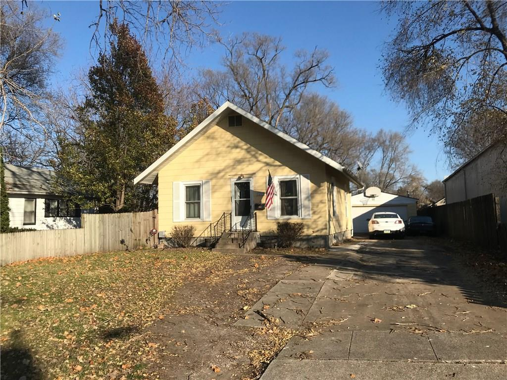 Photo of home for sale at 1215 27th Street E, Des Moines IA
