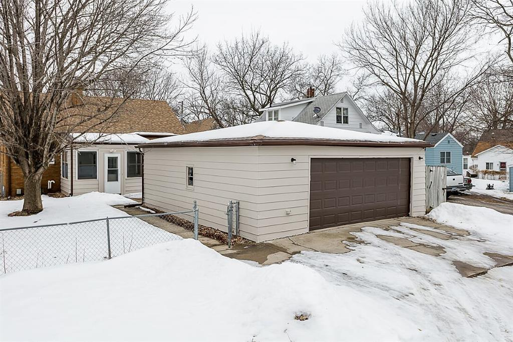 Photo of home for sale at 3905 9th Street, Des Moines IA