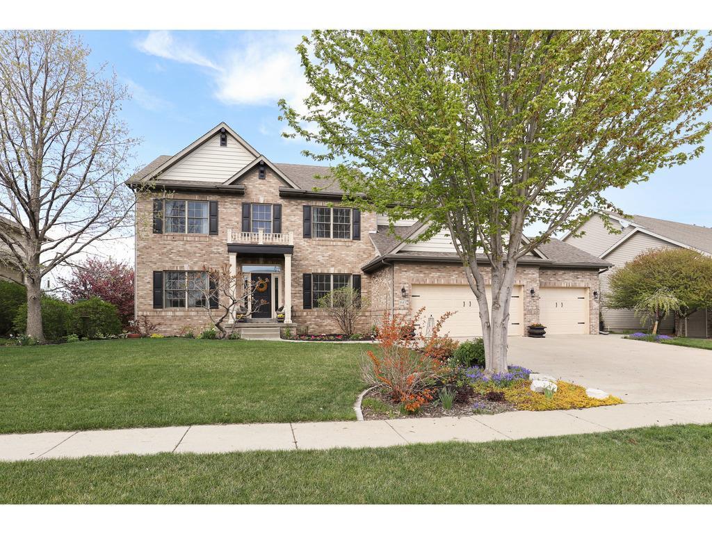 Photo of home for sale at 1645 Hawthorne Ridge Drive SE, Waukee IA
