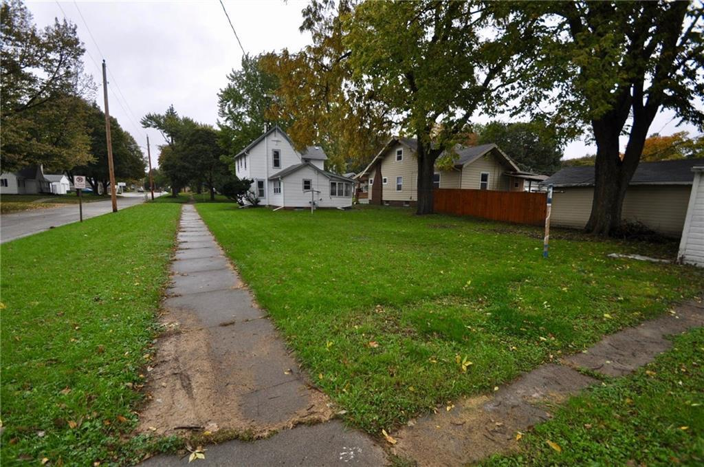 Photo of home for sale at 1323 6th Street, Perry IA