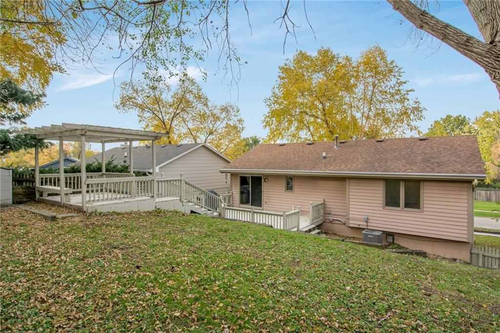Photo of home for sale at 125 Caulder Circle E, Des Moines IA