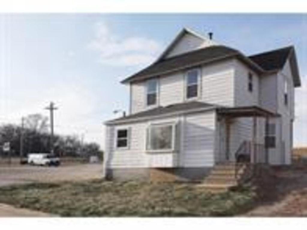 Photo of home for sale at 133 Franklin Avenue, Des Moines IA