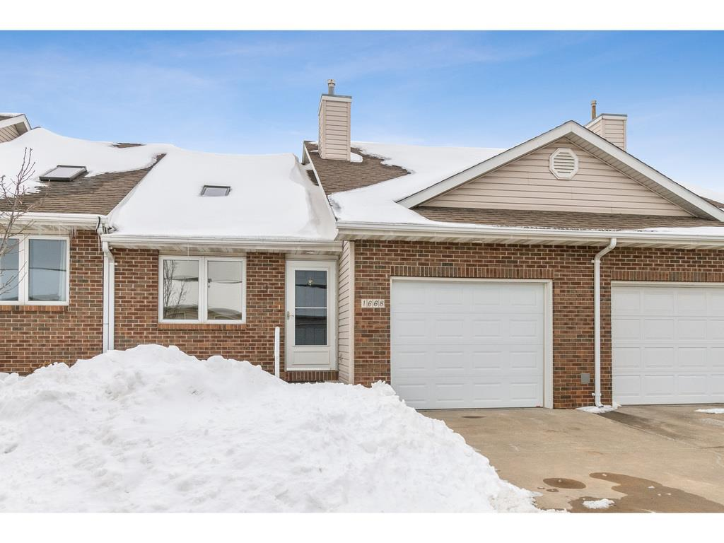 Photo of home for sale at 1668 Delaware Avenue SE, Ankeny IA