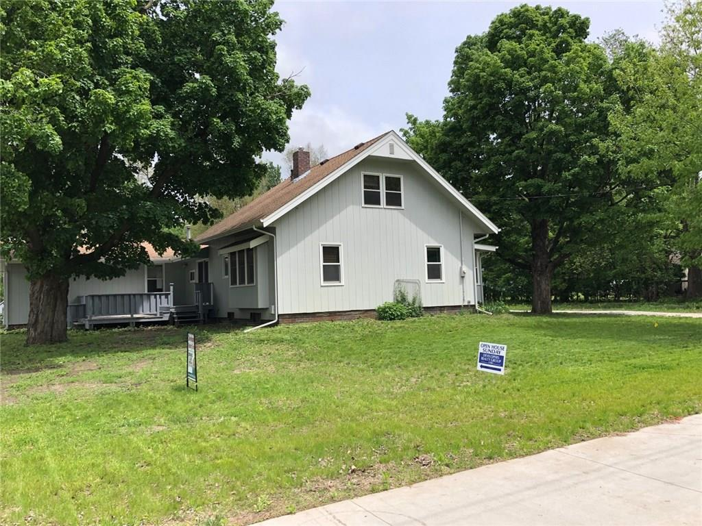 Photo of home for sale at 5385 57th Avenue NW, Johnston IA