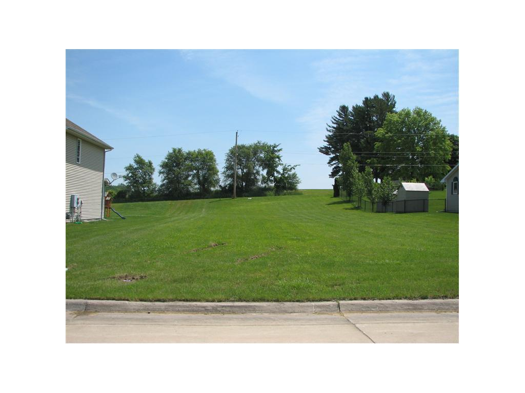 Photo of home for sale at 1014 18TH Street E, Newton IA