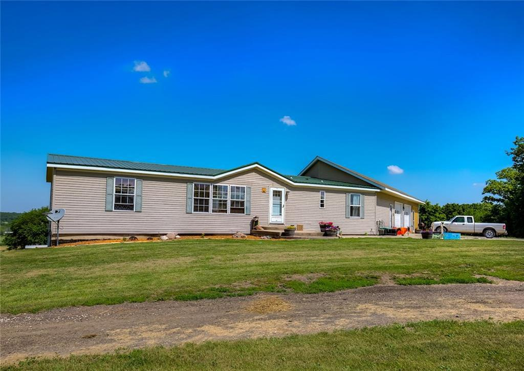 Photo of home for sale at 3011 Settlers Trail, St Charles IA