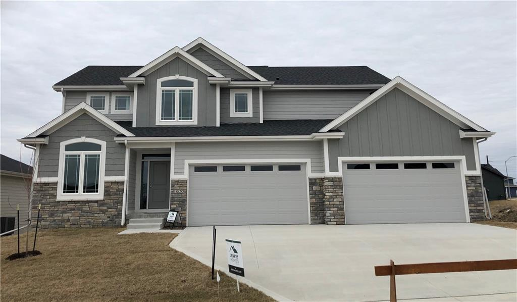 Photo of home for sale at 1620 Meadow Court NE, Ankeny IA