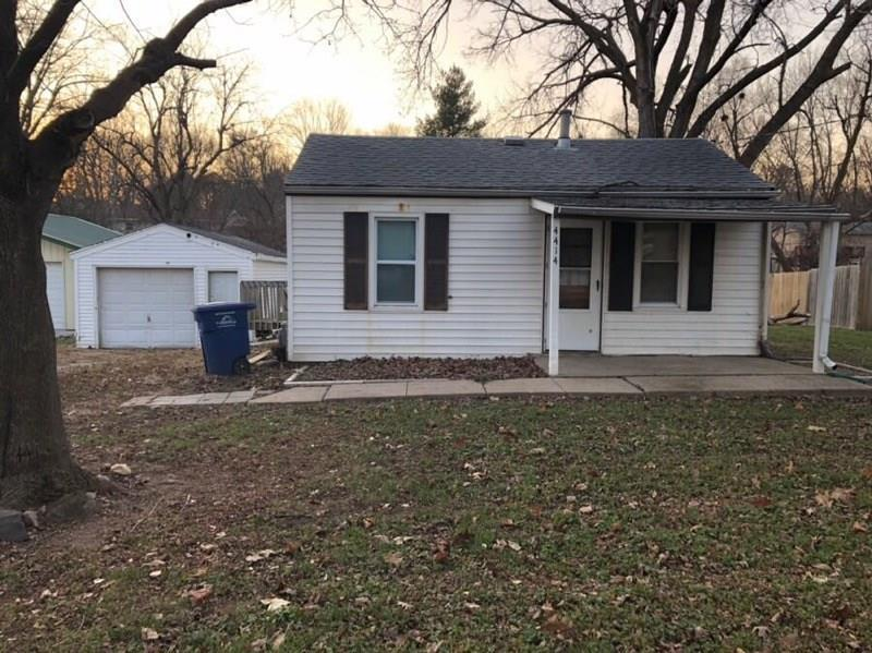 Photo of home for sale at 4414 8th Street SE, Des Moines IA