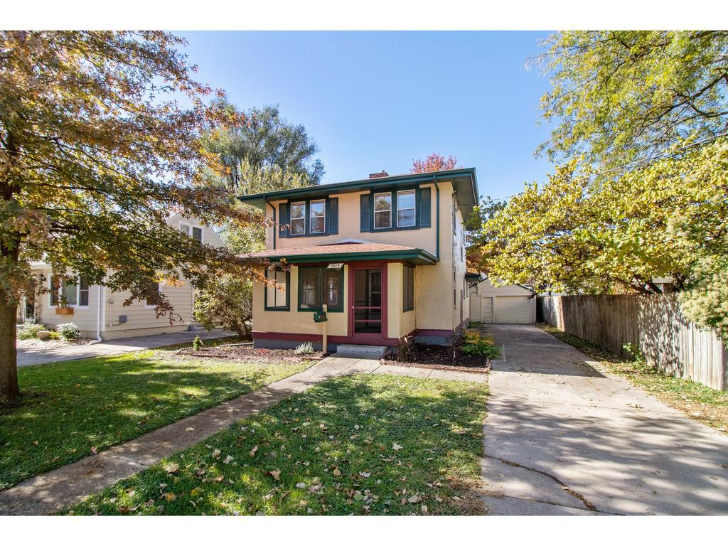 Photo of home for sale at 2614 47th Street, Des Moines IA