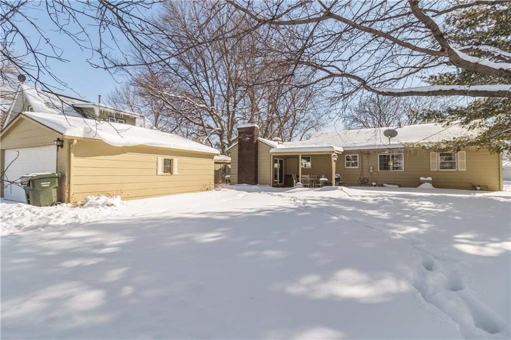 Photo of home for sale at 2616 Marengo Drive, Perry IA