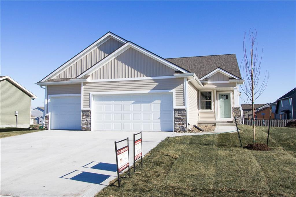 Photo of home for sale at 405 Shiloh Rose Parkway NW, Bondurant IA