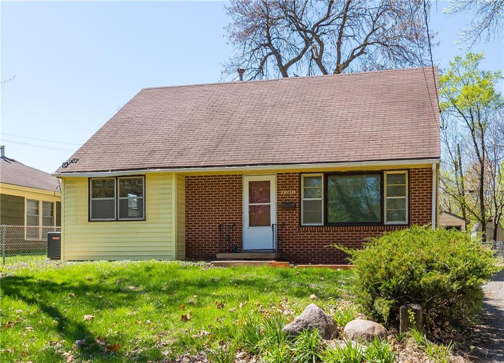 Photo of home for sale at 3808 Union Street N, Des Moines IA