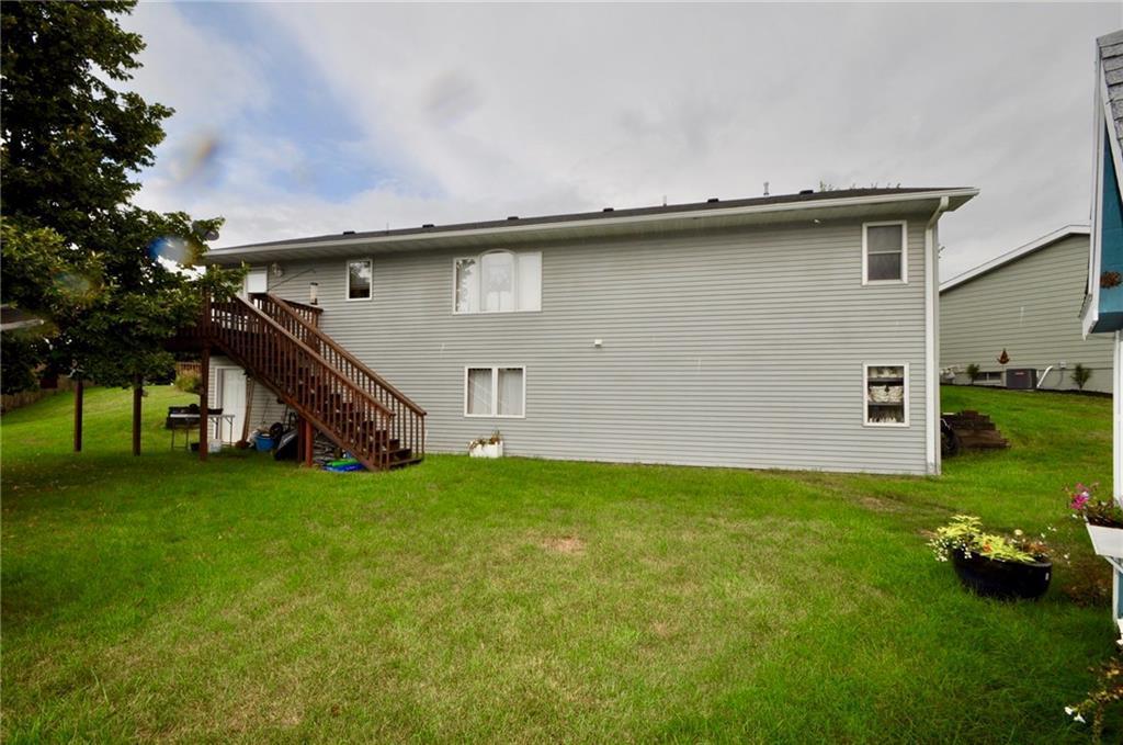 Photo of home for sale at 403 7th Street E, Newton IA