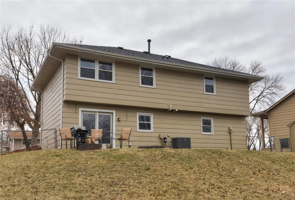 Photo of home for sale at 4928 Beech Boulevard, Pleasant Hill IA