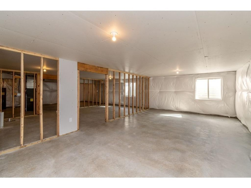 Photo of home for sale at 4323 48th Street E, Des Moines IA