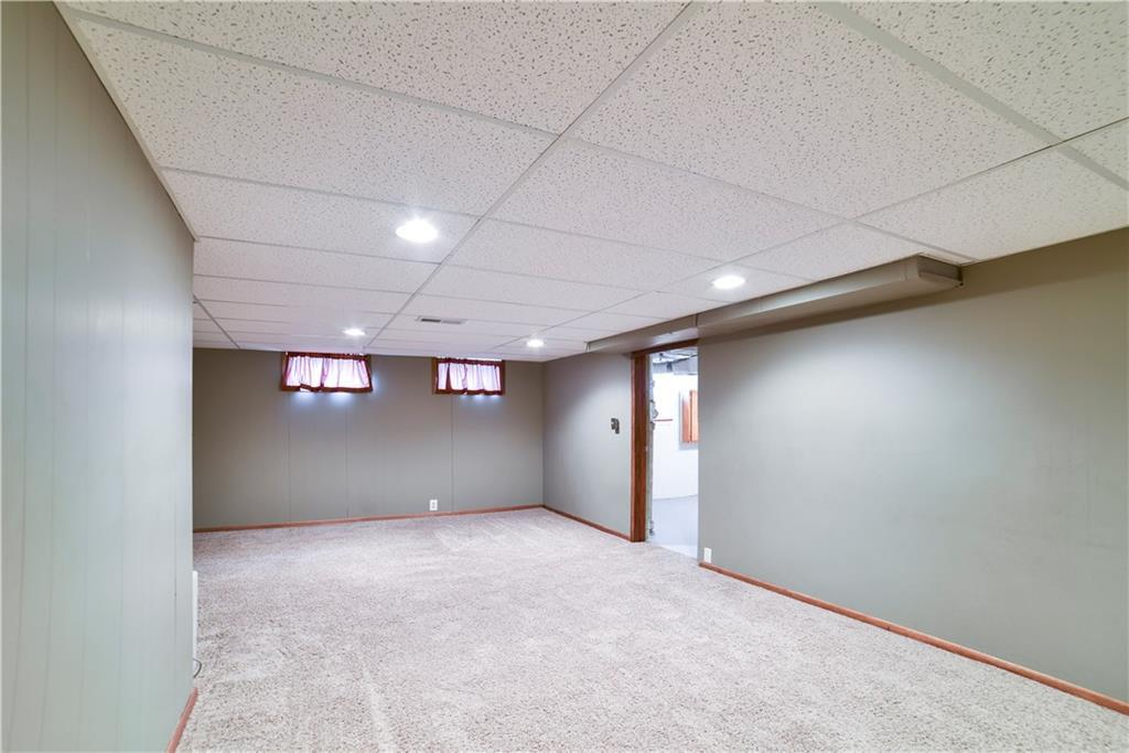 Photo of home for sale at 6213 Urbandale Avenue, Des Moines IA