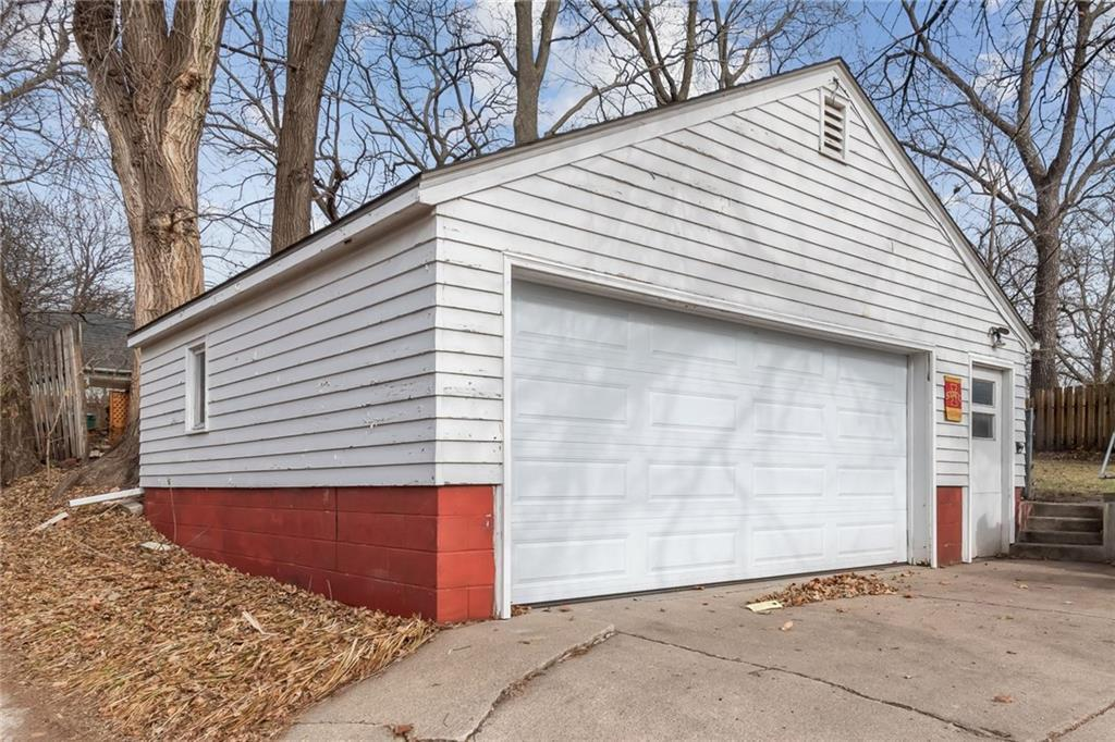 Photo of home for sale at 603 Ridgewood Avenue, Ames IA