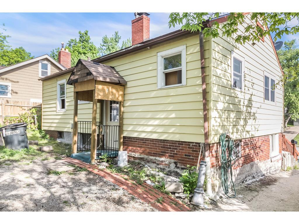 Photo of home for sale at 5616 University Avenue, Des Moines IA