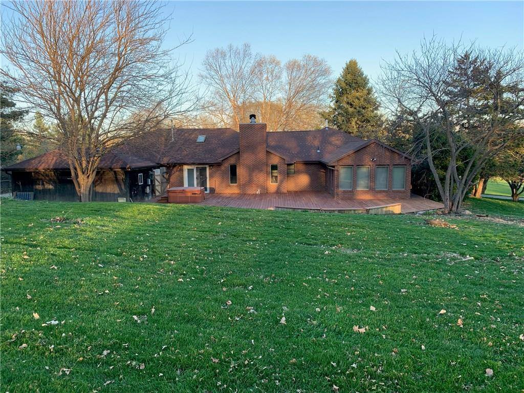 Photo of home for sale at 202 80th Street NE, Pleasant Hill IA