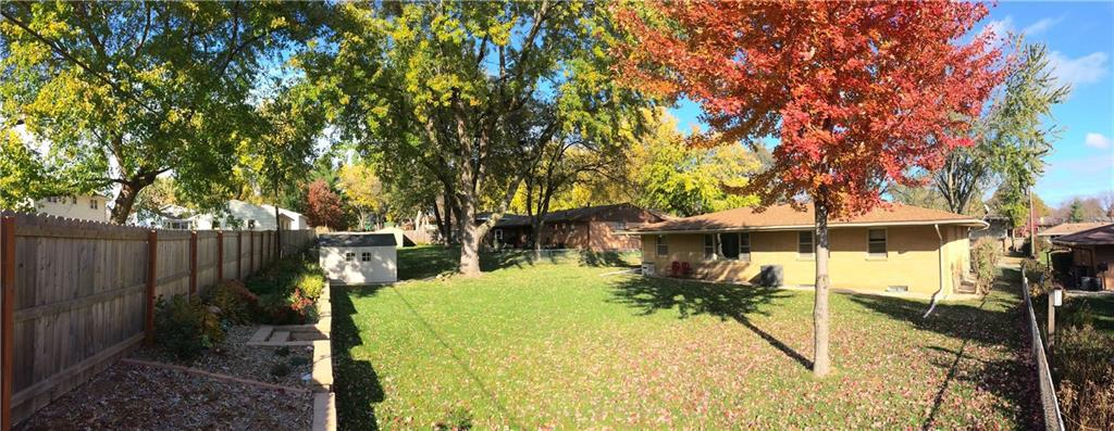 Photo of home for sale at 908 28th Street, West Des Moines IA