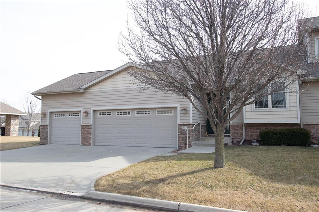 Photo of home for sale at 5417 Prairie Parkway, Johnston IA