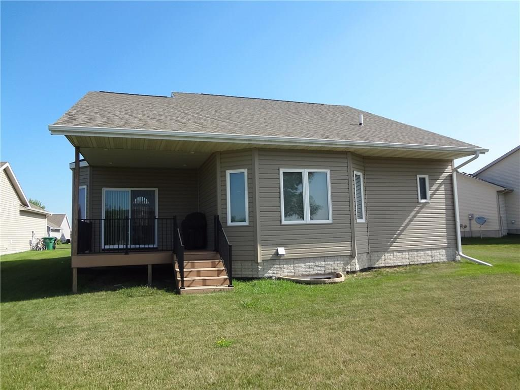 Photo of home for sale at 815 37th Court NW, Ankeny IA