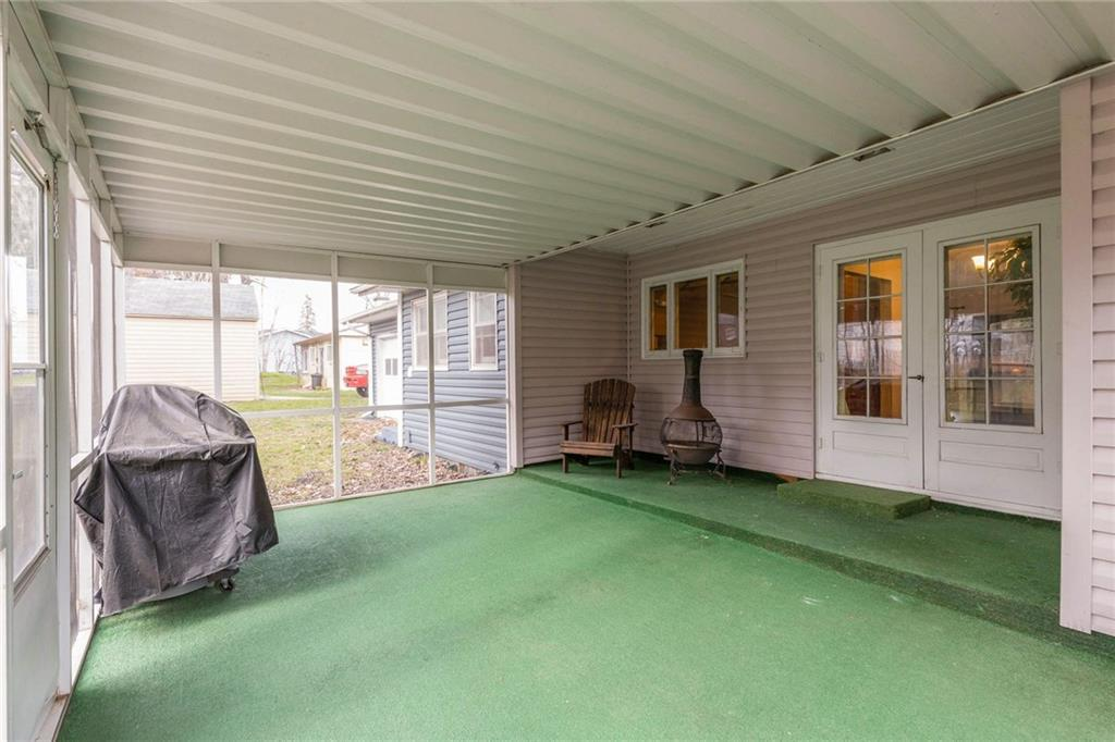 Photo of home for sale at 1240 63rd Street, Windsor Heights IA