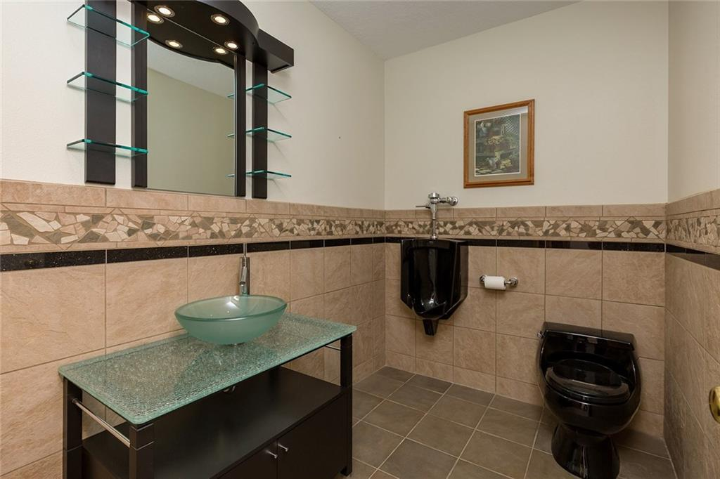 Photo of home for sale at 13911 Briarwood Lane, Urbandale IA