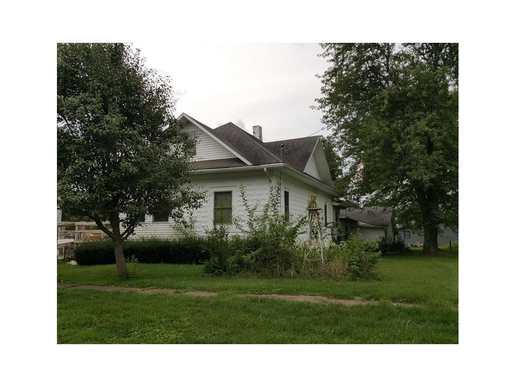 Photo of home for sale at 614 Elm Street W, Allerton IA