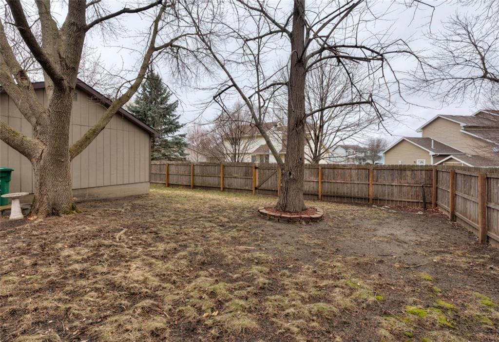 Photo of home for sale at 1222 4th Street NW, Ankeny IA