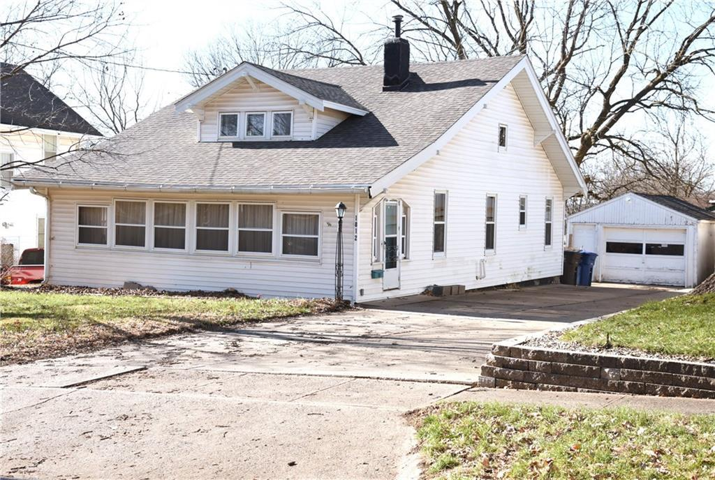 Photo of home for sale at 1812 32nd Court E, Des Moines IA