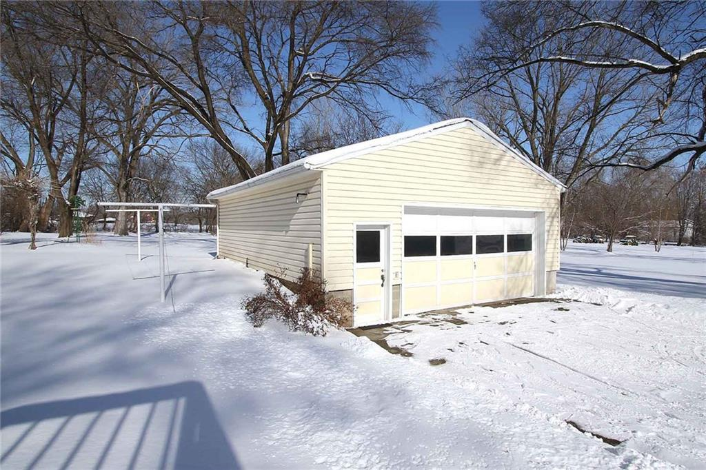 Photo of home for sale at 3160 44th Avenue NE, Des Moines IA