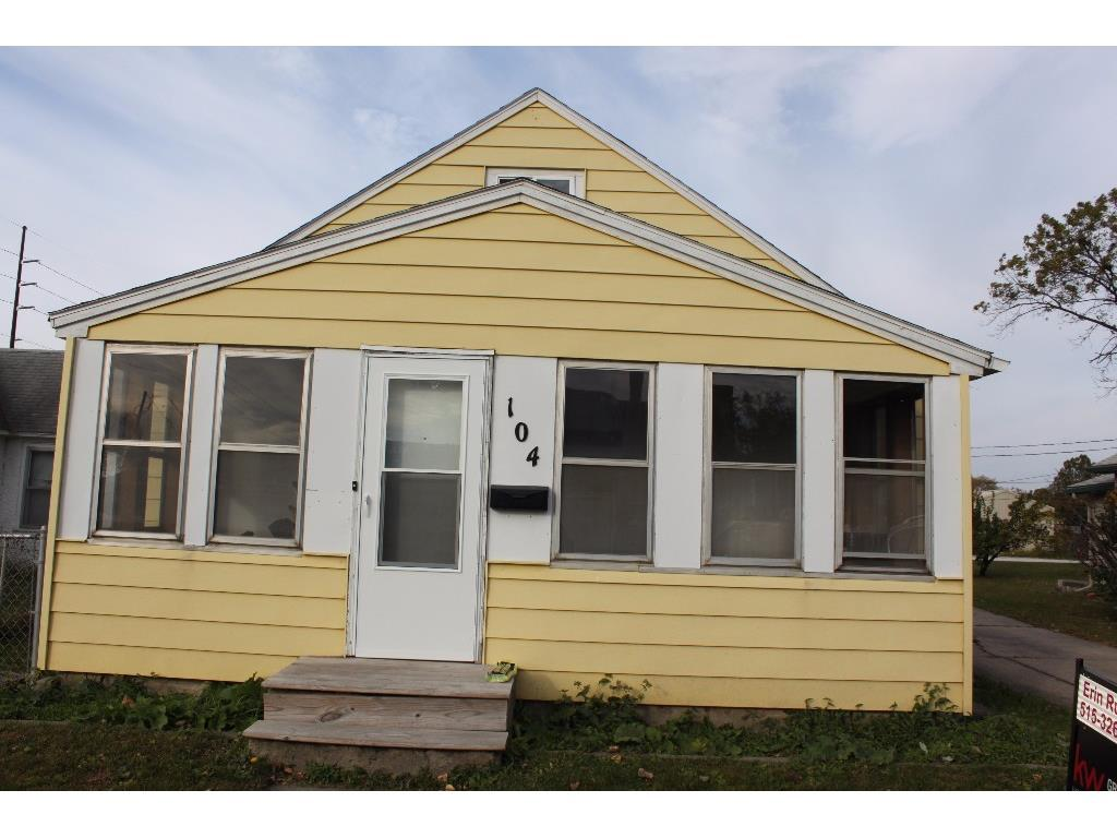Photo of home for sale at 104 12th Street, West Des Moines IA