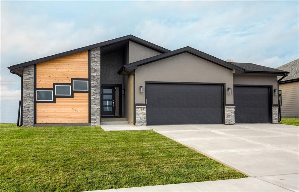 Photo of home for sale at 3104 Partlow Street, Norwalk IA