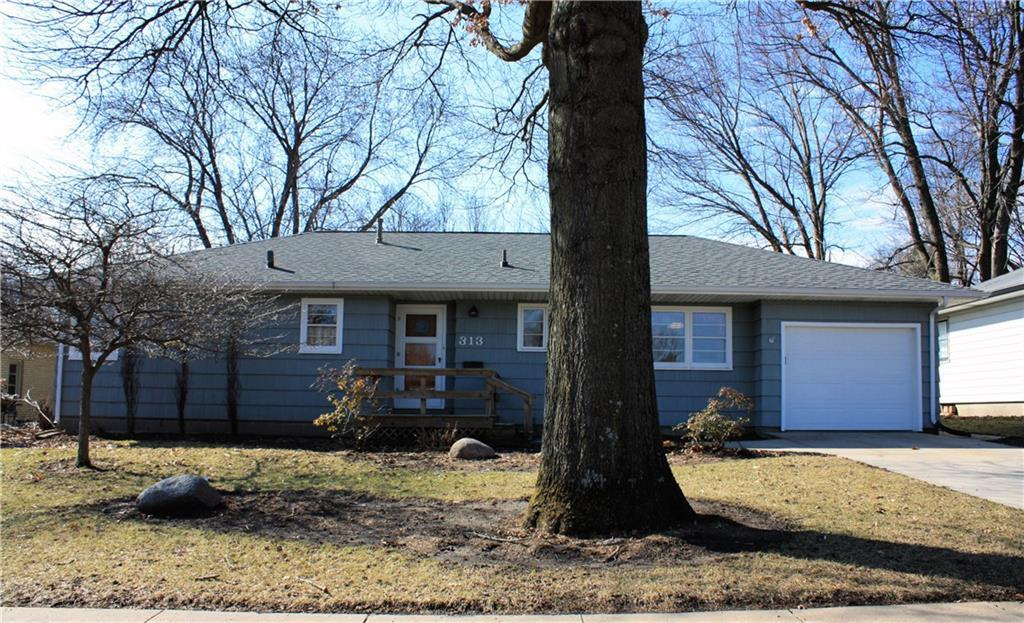 Photo of home for sale at 313 Park View Drive SE, Ankeny IA