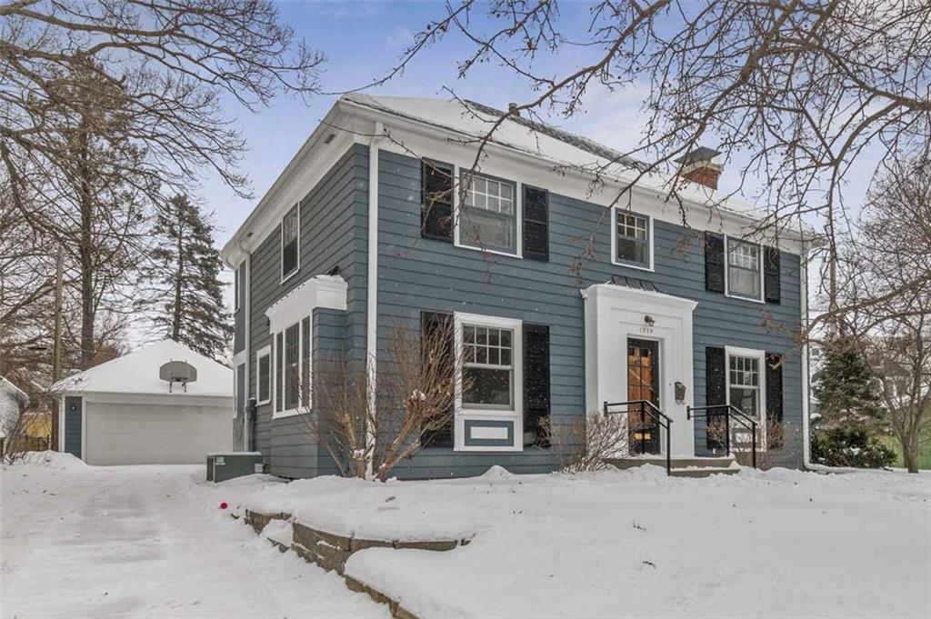 Photo of home for sale at 1219 9th Street, Ames IA