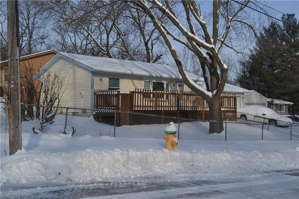 Photo of home for sale at 1500 40th Street E, Des Moines IA
