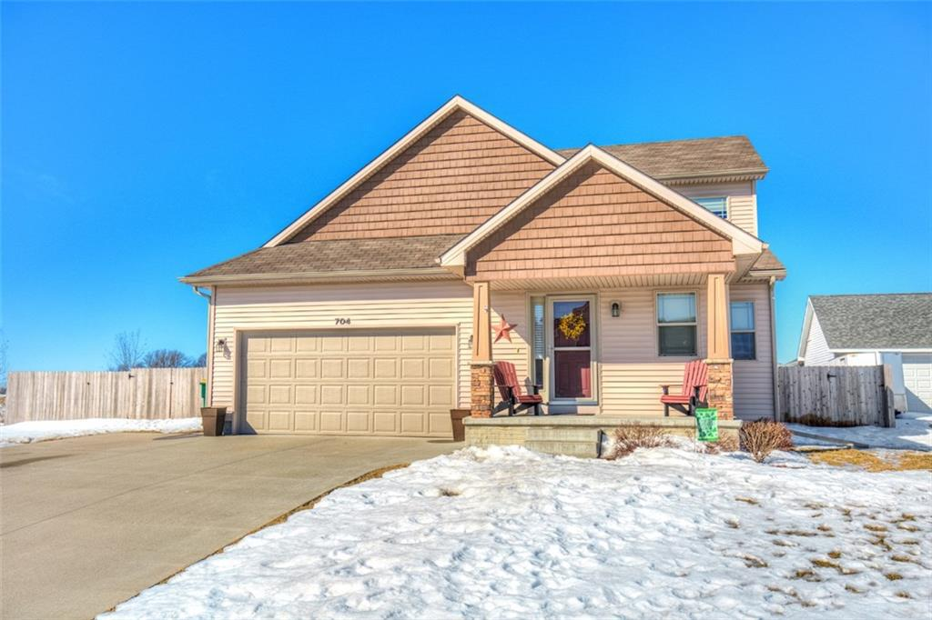 Photo of home for sale at 704 14th Avenue N, Winterset IA