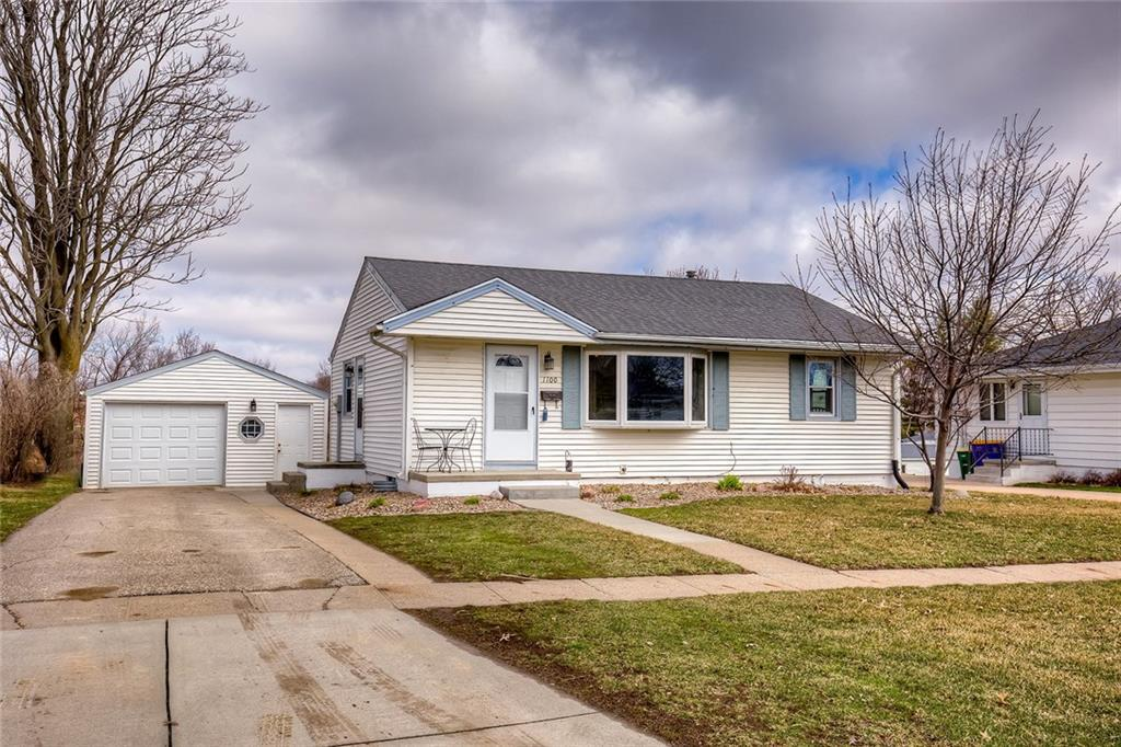 Photo of home for sale at 1100 Ashland Avenue E, Indianola IA