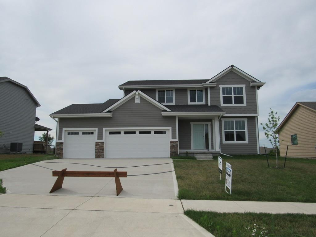 Photo of home for sale at 615 55th Street NE, Ankeny IA