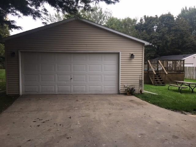 Photo of home for sale at 902 Hunter Drive, Norwalk IA