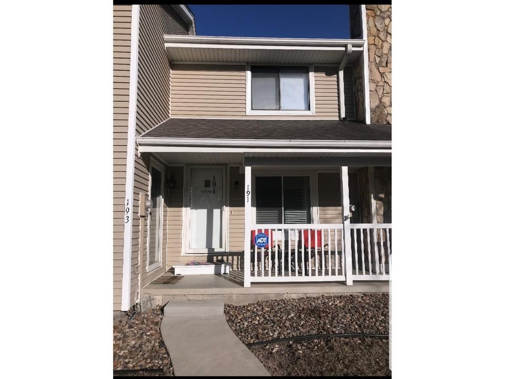 Photo of home for sale at 191 52nd Street, West Des Moines IA