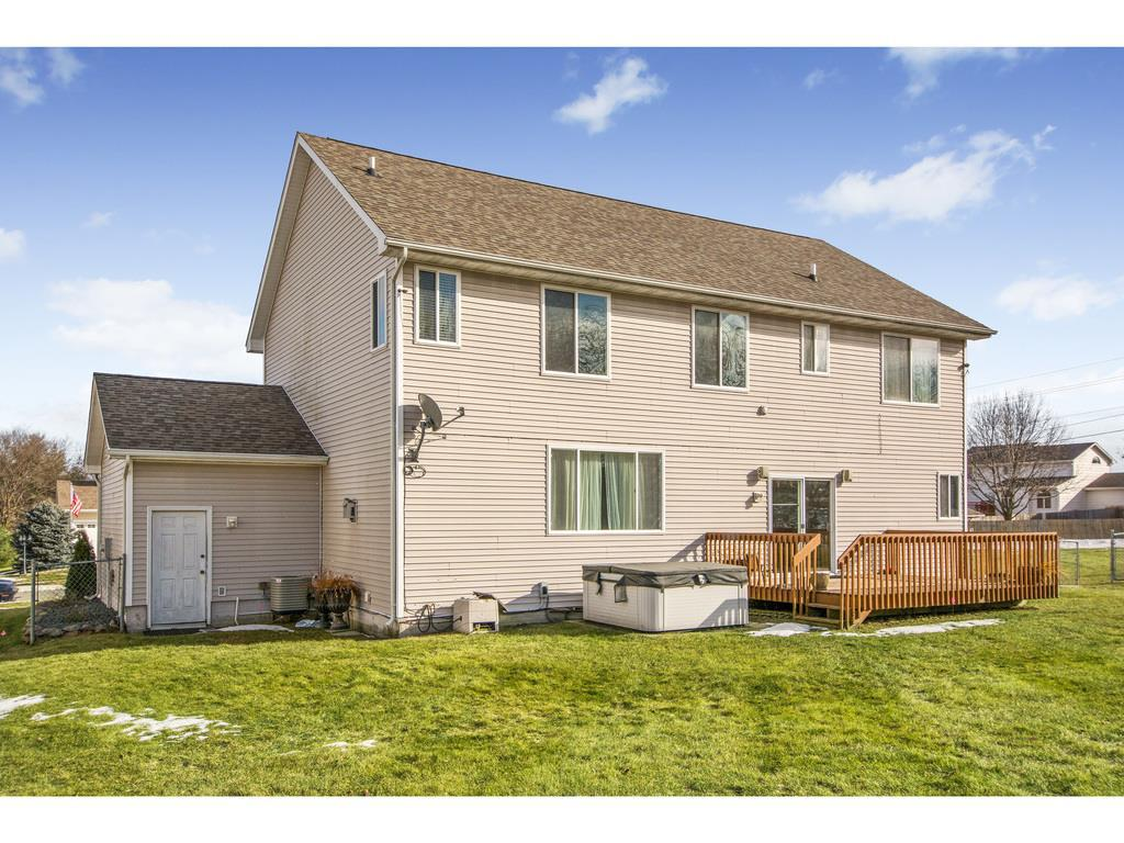 Photo of home for sale at 5230 32nd Street SE, Des Moines IA