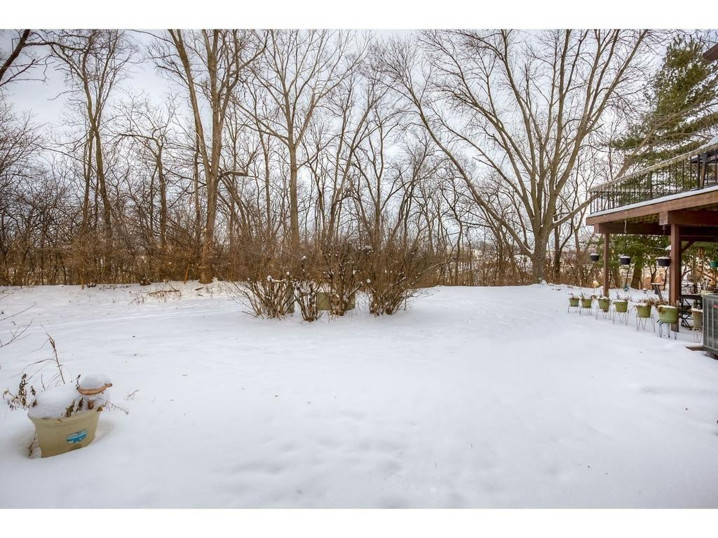 Photo of home for sale at 2331 Glenwood Drive, Des Moines IA